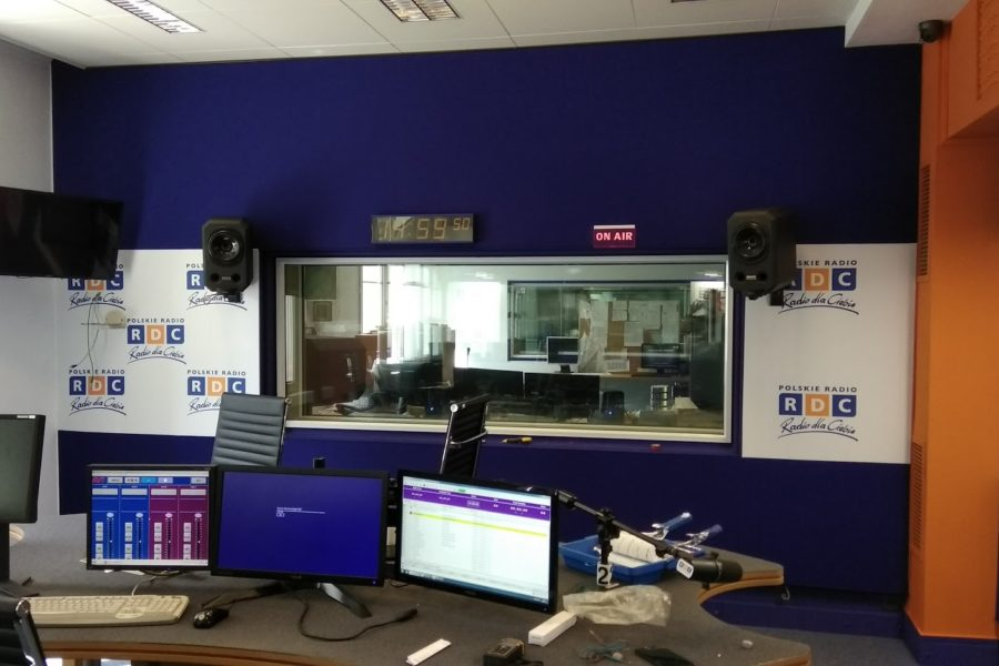 Adaptacja akustyczna Warszawa – Kompletna rewitalizacja pięciu pomieszczeń emisyjnych radia RDC w Warszawie